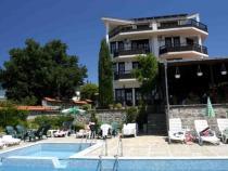 Hotel Augusta Monarch 3 *