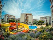 45 euro w dużym kompleksie z basenami 100 m od plaży