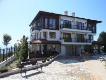 Apartamenty z basenem 50-80 m od brzegu morza