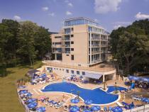 Hotel Holiday Park 4*